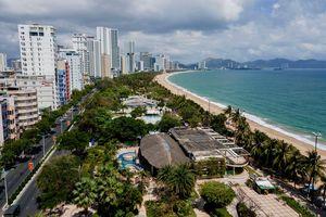 Những công trình nào đang chắn bờ biển Nha Trang?