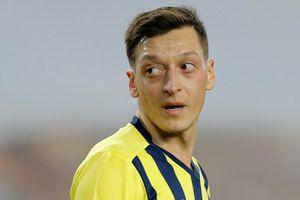 Ozil vỡ mộng tại Thổ Nhĩ Kỳ