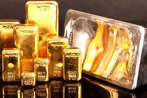 Vàng thế giới lao dốc, giá vàng trong nước vẫn 'kiên định' đắt hơn gần 8 triệu đồng/lượng
