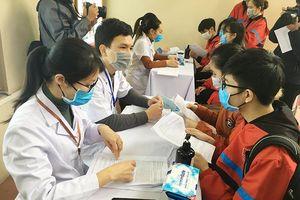 Vaccine 'made in Việt Nam' Covivac ngừa Covid-19 : Đã có hơn 400 người đăng ký tiêm thử nghiệm