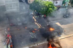 Myanmar: Nhiều nơi mất điện, biểu tình vẫn tiếp diễn