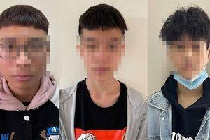 Triệu tập nhóm đối tượng 'tuổi teen' có hành vi sàm sỡ phụ nữ nước ngoài ở hồ Tây