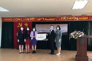 PNJ trao 1 tỷ đồng hổ trợ phụ nữ khó khăn do dịch COVID-19