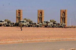 Xuất hiện hình ảnh hệ thống phòng không S-400 của Nga được chuyển giao cho Algeria