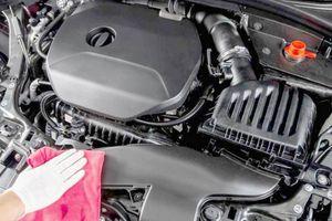 Có nên rửa khoang máy xe ô tô?