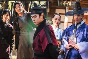 Từ nam phụ khổ mệnh thành nam chính anh hùng, Na In Woo 'một bước lên mây' sau Mr. Queen