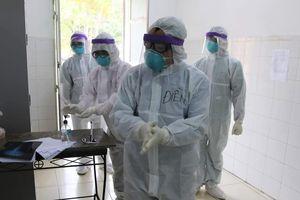 Thêm 6 người nhập cảnh nhiễm Covid-19