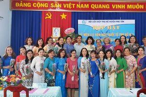 Hội Liên hiệp Phụ nữ huyện Phú Tân họp mặt kỷ niệm ngày Quốc tế Phụ nữ