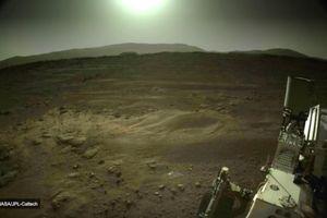 Xe thăm dò Perseverance ghi lại hình ảnh Mặt Trời từ Sao Hỏa