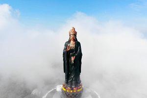 Tượng Phật Bà cao 72 m trên đỉnh Bà Đen