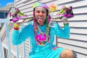 Giày ảo trị giá 10.000 USD được bán hết sạch