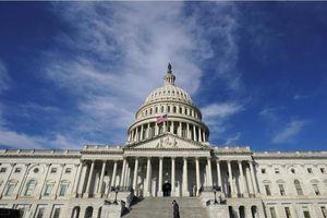 Thượng viện Mỹ họp suốt đêm để đẩy nhanh gói cứu trợ 1.900 tỷ USD