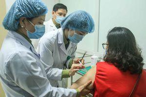 Huy động tổng lực tiêm vaccine ngừa Covid-19 cho toàn dân