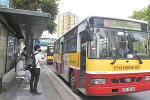 Hà Nội: Từ 0 giờ ngày 8/3 không thực hiện giãn cách hành khách trên các phương tiện công cộng