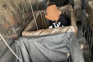 Hải Dương: Giấu người trong thùng xe để trốn kiểm dịch, 3 người bị phạt hơn 60 triệu đồng