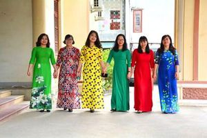 Phụ nữ tỉnh Điện Biên hưởng ứng 'Tuần lễ áo dài' năm 2021