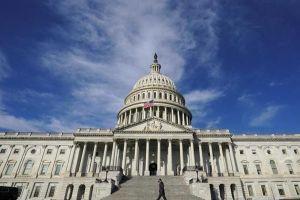 Thượng viện Mỹ họp thâu đêm để sớm thông qua gói cứu trợ Covid-19