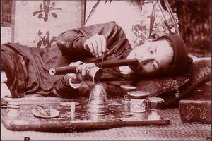 Thời Tự Đức, họ hàng của vua bị xử tội chết vì mua thuốc phiện
