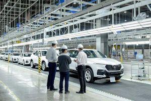 Ôtô tuần qua: VinFast mở nhà máy ở Mỹ, vụ 2 xe Mercedes dùng chung biển có diễn biến mới