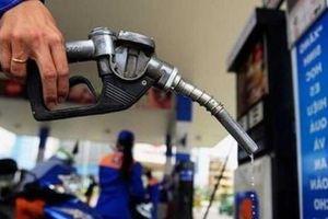 Giá xăng tăng mạnh nhất trong 2 năm qua