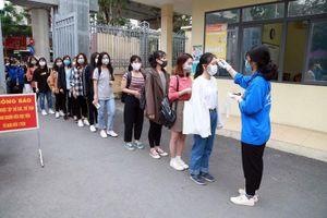 Thực hiện nghiêm biện pháp phòng, chống dịch khi sinh viên đi học trở lại