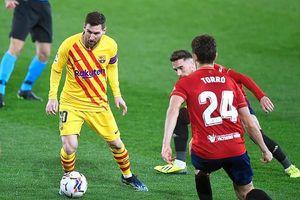 Cú đúp kiến tạo của Messi giúp Barcelona vượt mặt Real Madrid