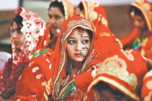 Những bé gái Ấn Độ, Pakistan bị ép kết hôn ở tuổi lên 8