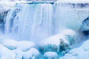 Thác nước hùng vĩ nhất thế giới bị đóng băng và những điều kỳ diệu ít người biết