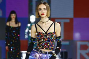 Dolce & Gabbana kết hợp sàn catwalk với trí tuệ nhân tạo