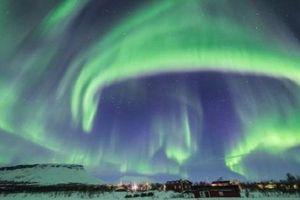 Cực quang 'siêu đẹp' bất ngờ xuất hiện trên bầu trời Phần Lan