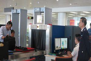 Khách nam bị bắt vì trộm đồng hồ tại điểm soi chiếu an ninh sân bay