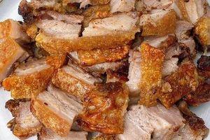 Món heo quay da giòn rụm của Tăng Thanh Hà