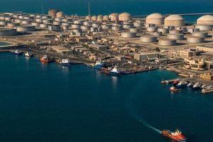 Cảng dầu lớn nhất thế giới ở Saudi Arabia bị tấn công