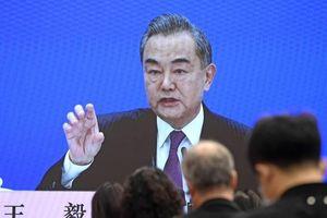 'Biện bạch' về Luật hải cảnh, ông Vương Nghị cố xoa dịu Nhật