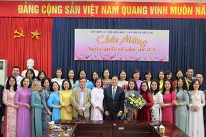 TSKH Phan Xuân Dũng chúc mừng ngày Quốc tế Phụ nữ 8/3