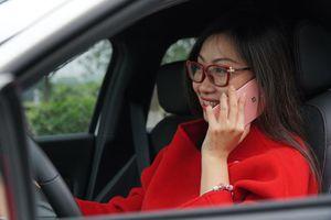 Những màn đãng trí khó đỡ của chị em khi lái ô tô