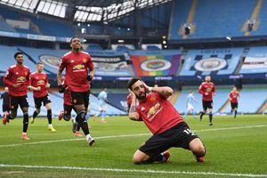 Thắng 2-0, Man Utd cắt chuỗi toàn thắng của Man City