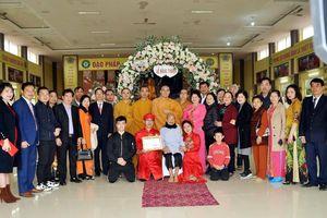 Chùa Chí Linh (Nghệ An) tổ chức lễ hằng thuận cho hai bạn trẻ