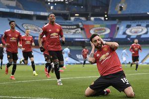 'Kéo sập' thành trì Etihad, MU chấm dứt chuỗi 21 trận toàn thắng của Man City