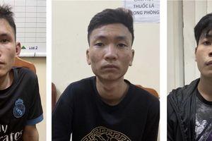Tạm giữ 3 thanh niên chặn xe, cướp tài sản của công nhân trong đêm