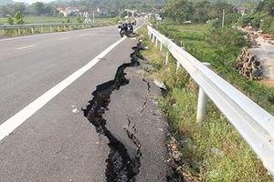 Cao tốc Đà Nẵng - Quảng Ngãi chưa hoàn thành đã hư hỏng