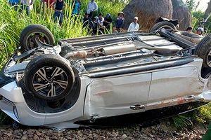 Cục Đường sắt đề nghị làm rõ vụ tàu hỏa tông ôtô khiến bé trai tử vong
