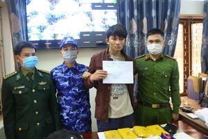 Hà Tĩnh: Bắt đối tượng vận chuyển trái phép 30.000 viên hồng phiến