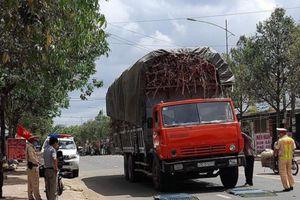 Nhiều xe chở mía quá khổ, quá tải bị phạt sau phản ánh của Báo Giao thông