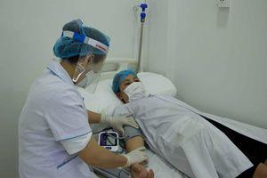 Tiêm vaccine cho tuyến đầu chống dịch Covid-19