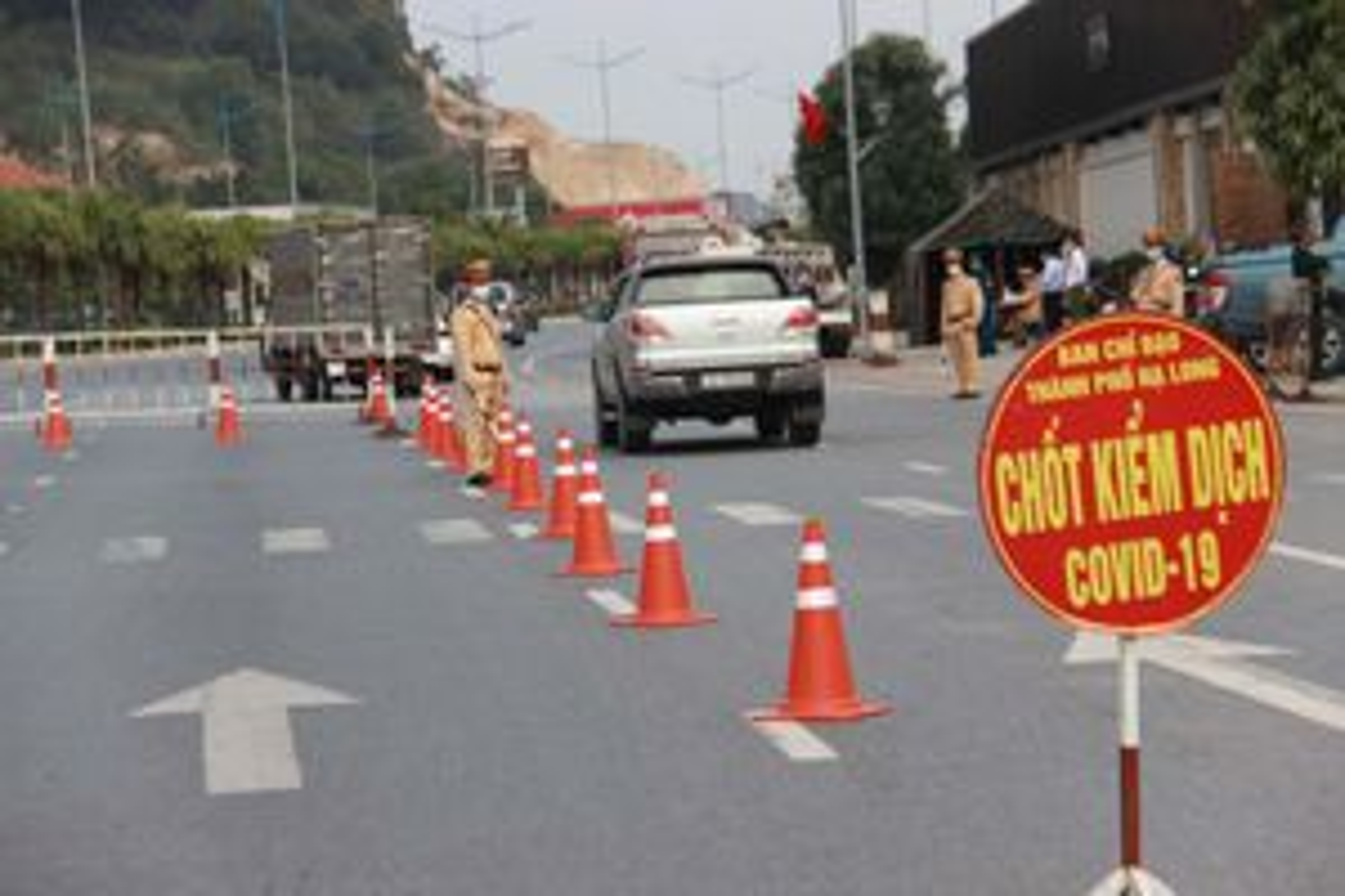 Quảng Ninh mở lại các tuyến xe khách liên tỉnh trừ vùng có dịch