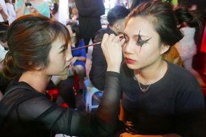Chủ tịch Hội Văn nghệ dân gian Việt Nam: Du nhập lễ hội là cần thiết nhưng cần chọn lọc