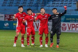 Gần nửa đội tuyển Việt Nam bị vắt kiệt lực
