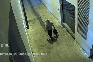 Video nghi phạm đặt bom tại trụ sở Dân chủ và Cộng hòa trước sự kiện đồi Capitol
