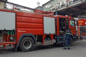 Hà Nội: Cháy lớn hơn 1 giờ, lan ra nhiều cửa hàng tại phố Gầm Cầu